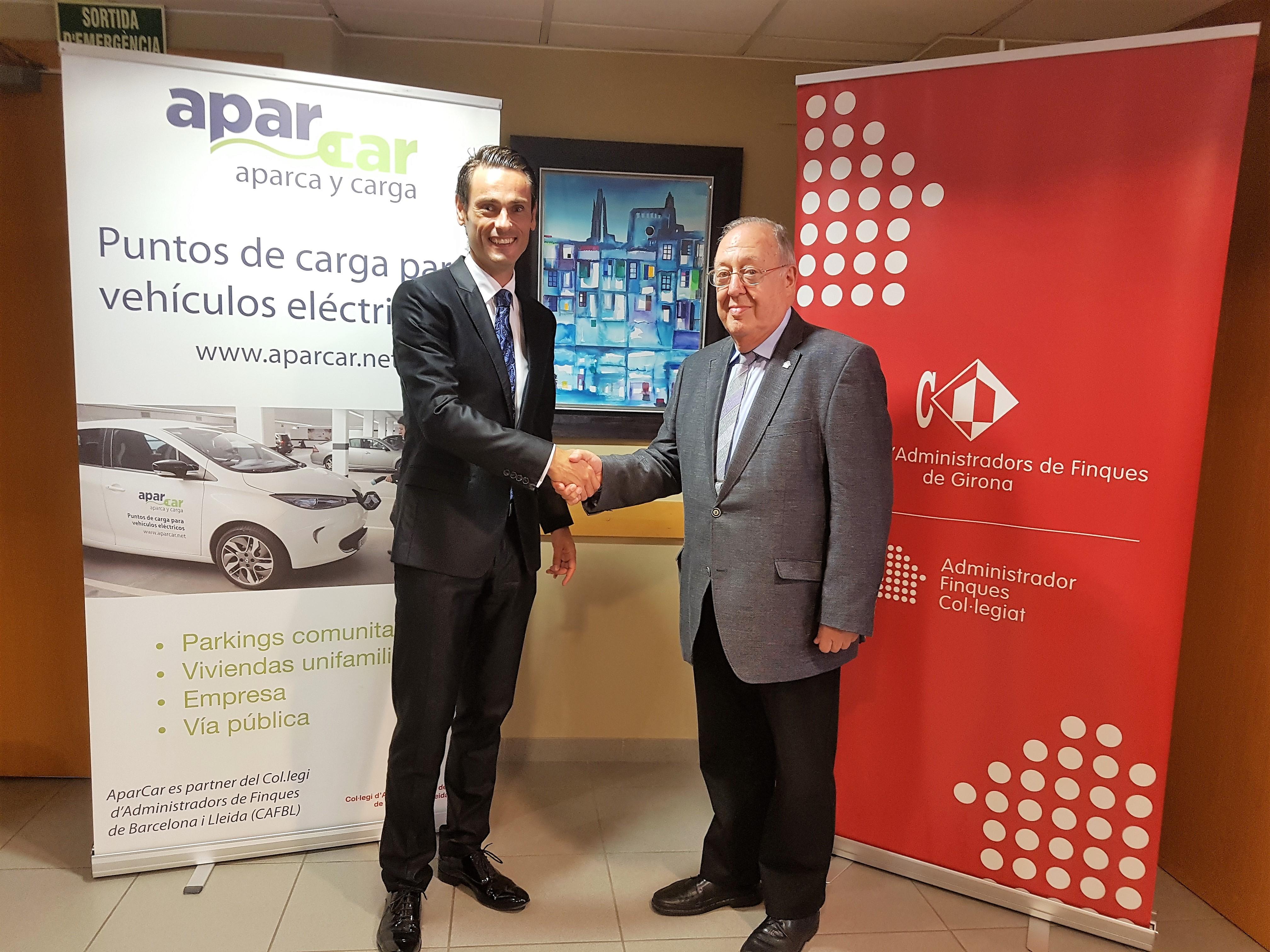 en la foto Miquel Castro, Director General de AparCar y Jaume Vilanova, Presidente del CAFGI